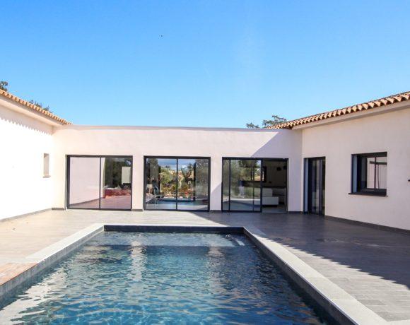 Villa d'architecte avec piscine