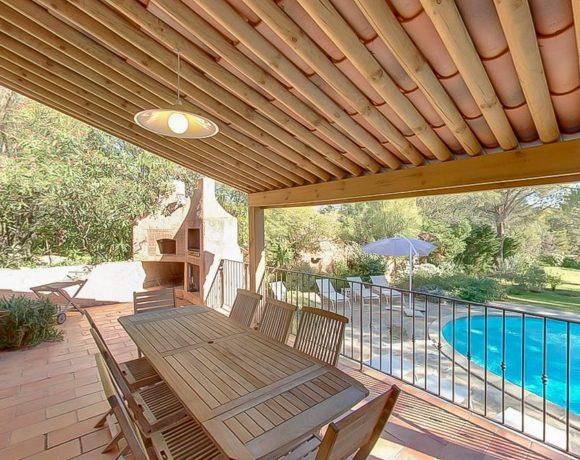 Charmante villa avec piscine à Porto-Vecchio